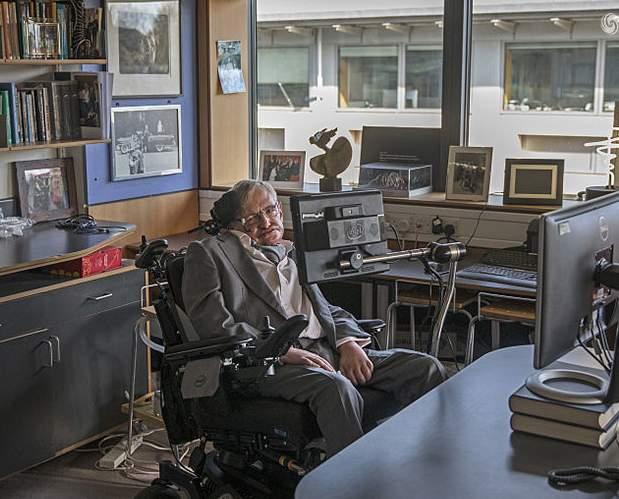 怀念偶像――物理学家霍金今去世享年76岁