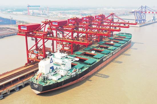 武港码头创新纪录
