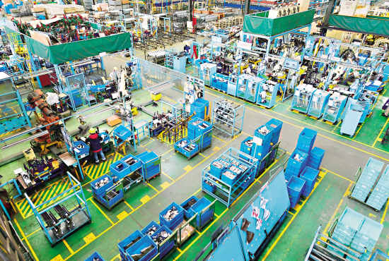 汽配企业开足马力生产