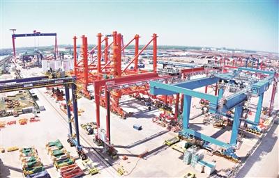 润邦港口设备90%出口